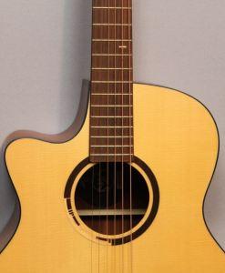 Akustikgitarren im American Guitar Shop 3