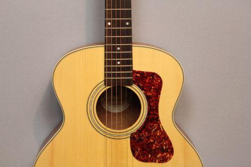 Guild Jumbo Gitarre