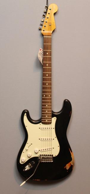 Gitarren für Linkshänder im Guitar Shop 9