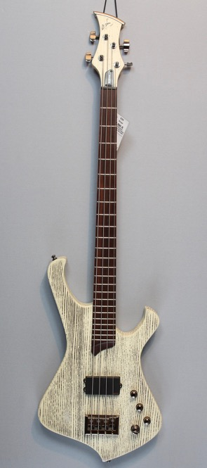 Esh Bass Stinger