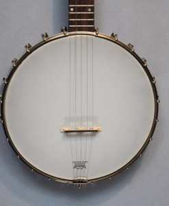 Saga SS-10 Old Time Banjo