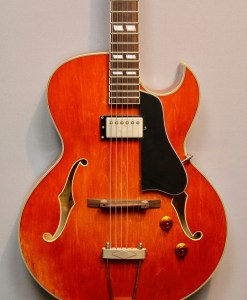 Eastman T49/v-AMB ANTIQUE AMBER E-Gitarre