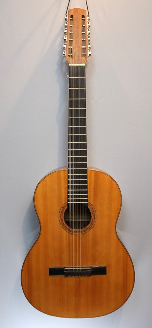 12 string Guitar Berlin 1