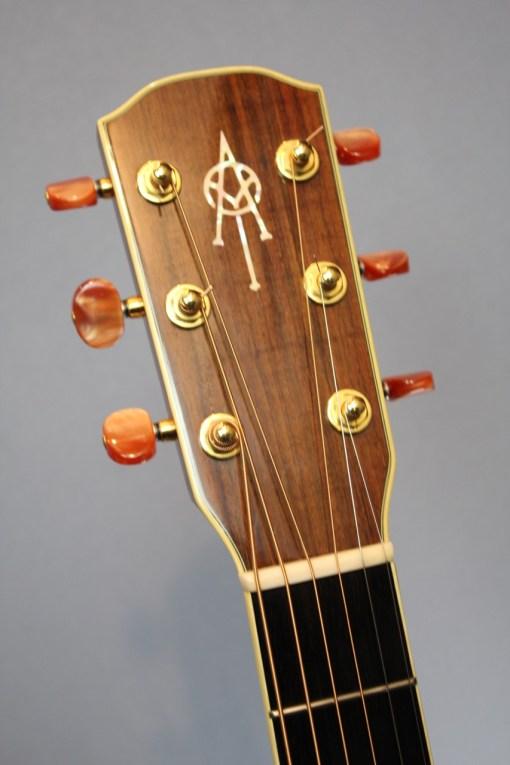 Alvarez FYM95C Aura Cutaway OM Folk Gitarre 1