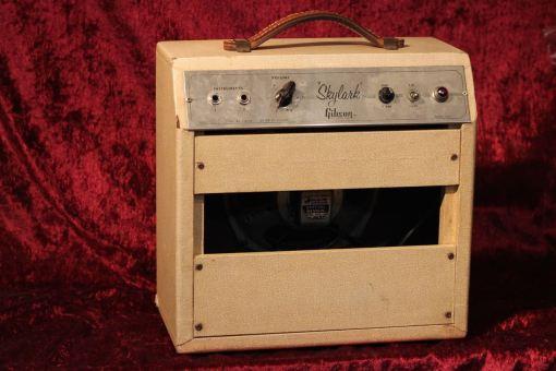 yv Gibson Amp 6