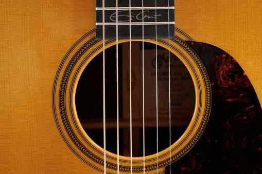 Martin Guitars 000-28 EC