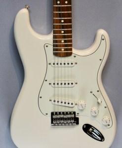 Fender Std Stratocaster SSS PF AW 4