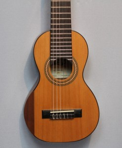 DEA Guitars GODDESS Cedar Guitarlele Berlin
