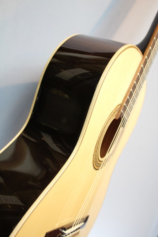 La Mancha Jade black Konzertgitarre 22