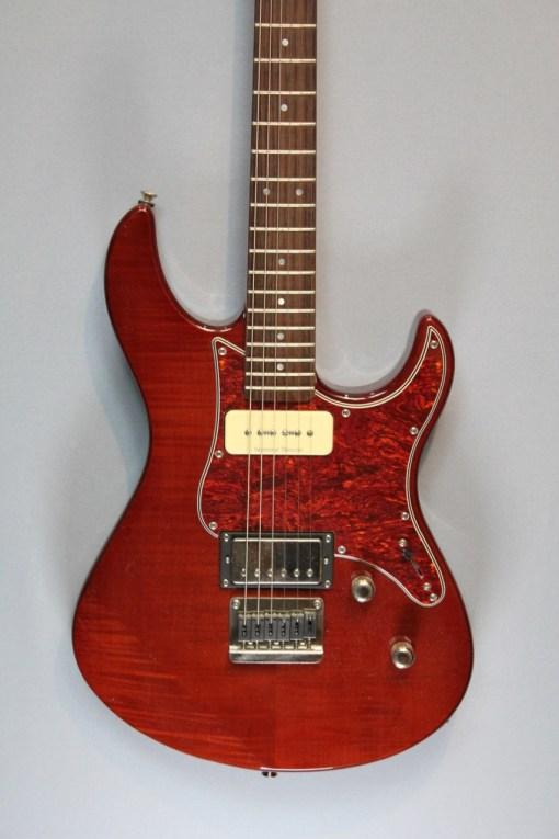 Yamaha 611 HFM Pazifica 7