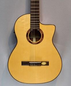 Salvador Cortes CS-250CE Konzertgitarre 4