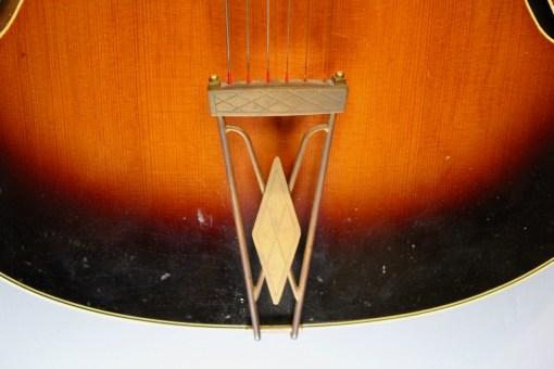Levin Jazzgitarre Modell 325 1959 8