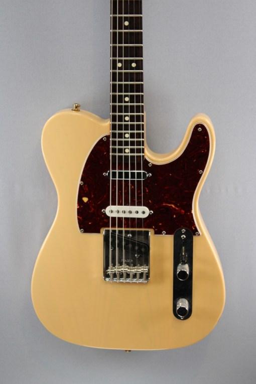 FENDER Deluxe Nashville Tele® MN E-Gitarre 3