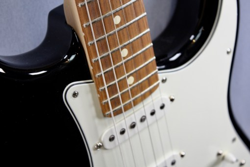 Fender PLAYER STRATOCASTER® PF BLK 3