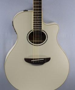 Yamaha APX 600 Vintage White 5