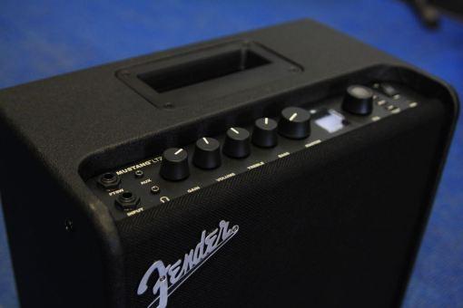 Fender Mustang LT25