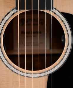 Martin 0016E Folkgitarre