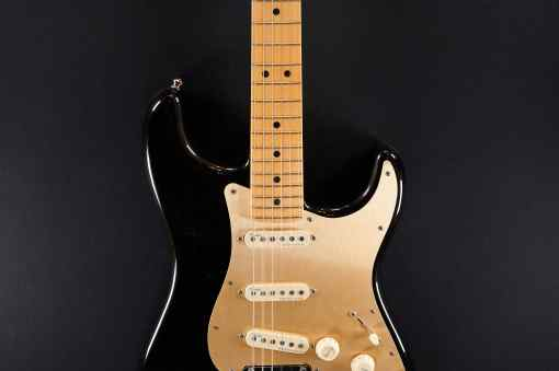 Fender AM Ultra Strat MN Texas Tea