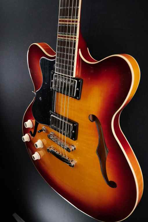 Höfner Verythin CT Sunburst (LH)