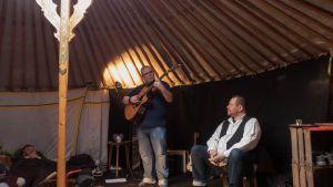 Contes & guitare à la yourte