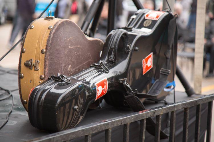 Assurer sa guitare en voyage et sur scène