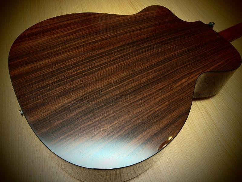 datant Martin guitares avec des numéros de série