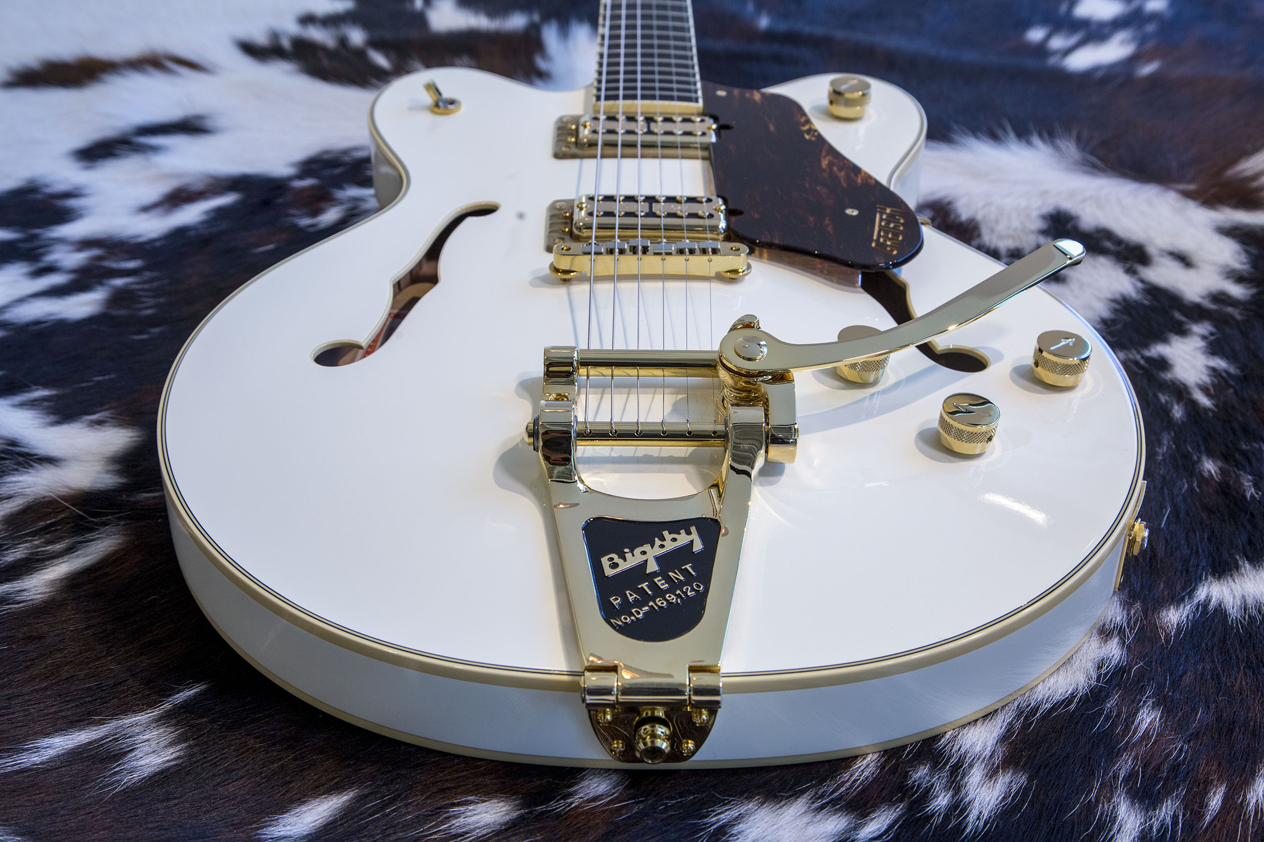 c288be89 FENDER® MUSICAL INSTRUMENTS CORPORATION ANNOUNCES ACQUISITION OF BIGSBY®