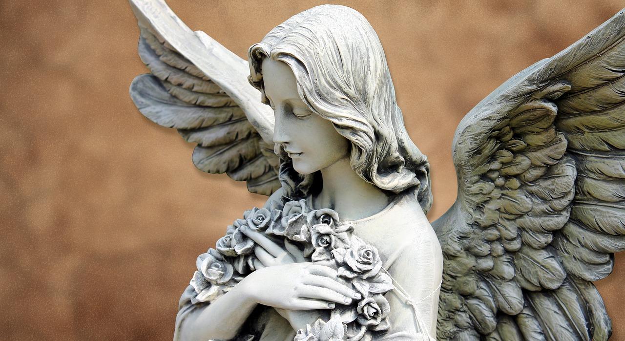 キレイな天使像
