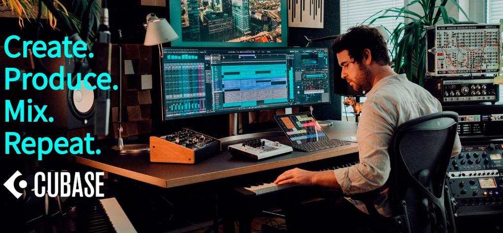 Cubaseを使って音楽制作をするミュージシャン