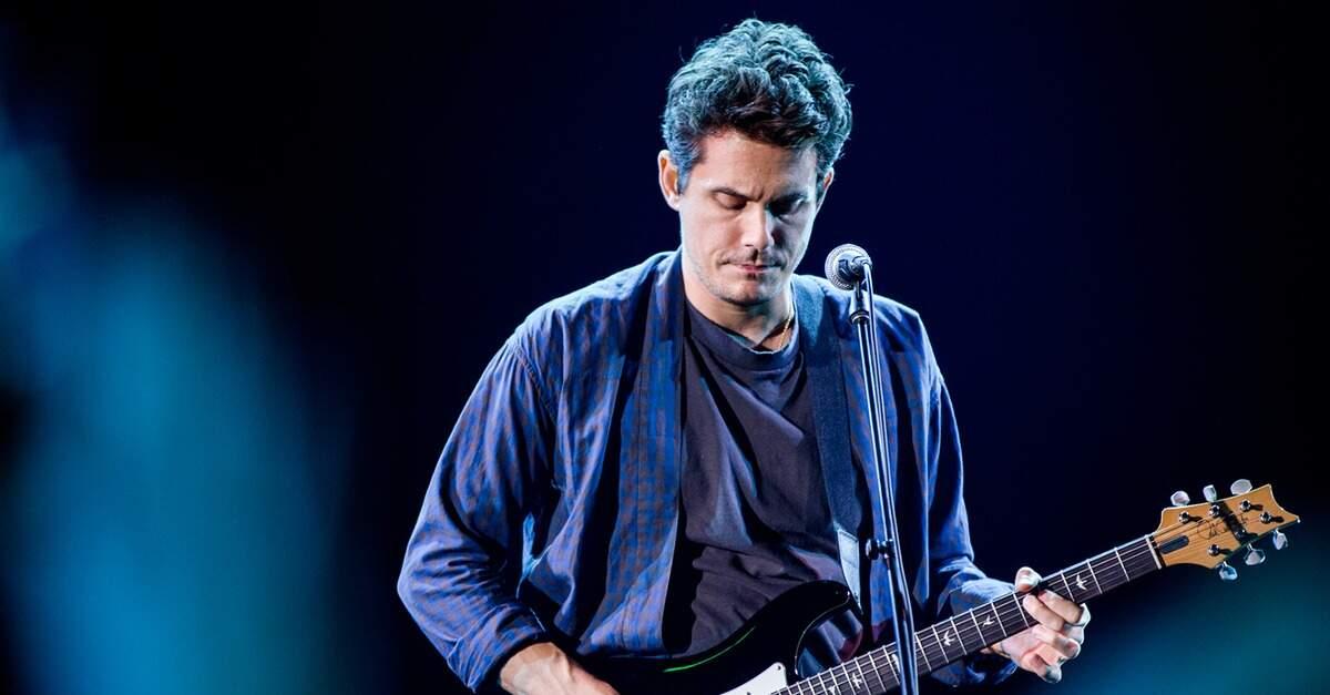 John Mayer tocando ao vivo