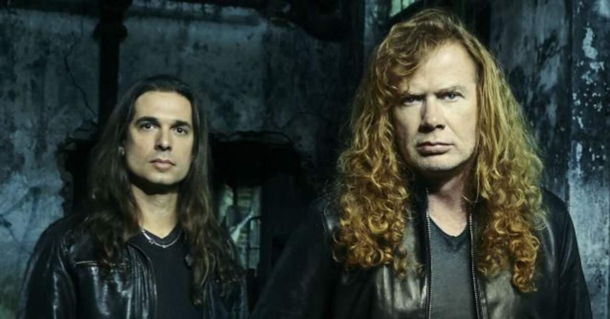 Kiko Loureiro ao lado de Dave Mustaine