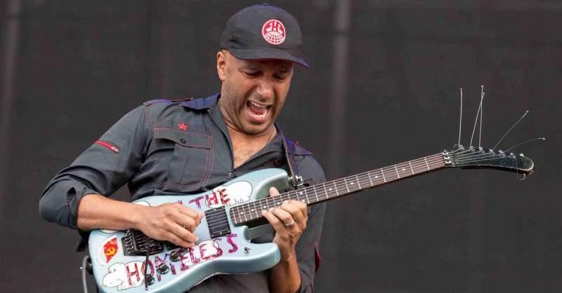 Tom Morello tocando ao vivo