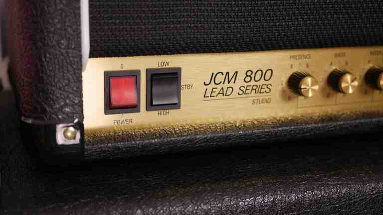 Amplifiers that don't need pedals