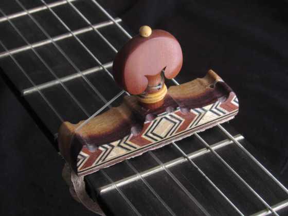 Cejilla flamenca de madera