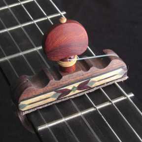 Cejilla artesana de Nogal y taracea