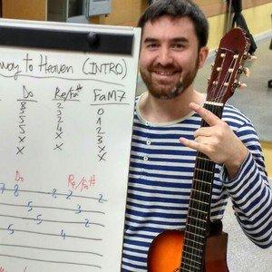 clases de guitarra y clases de ukelele