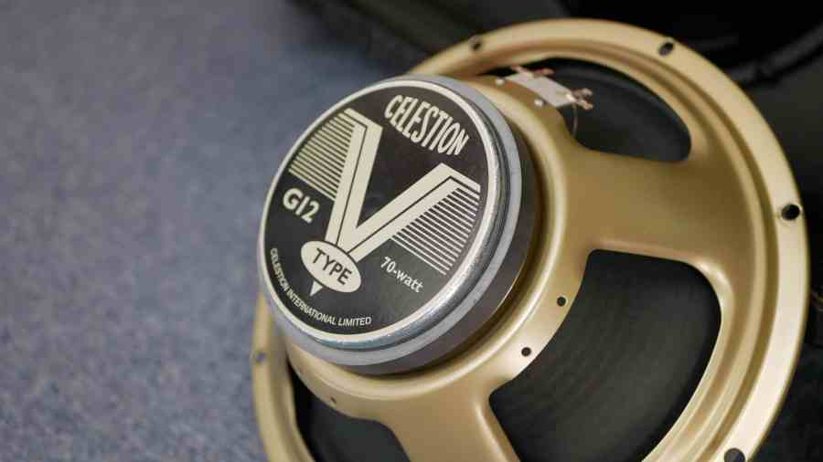 How to choose a new guitar speaker