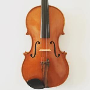"English viola by Anthony Carr (16 3/8"")"