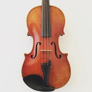 Modern handmade violin labelled Henri Delille