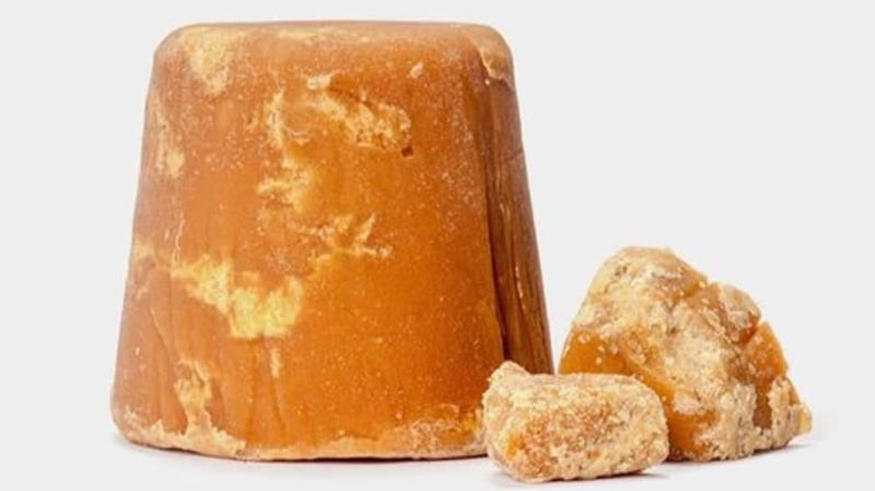 benefits to eating jaggery in winter