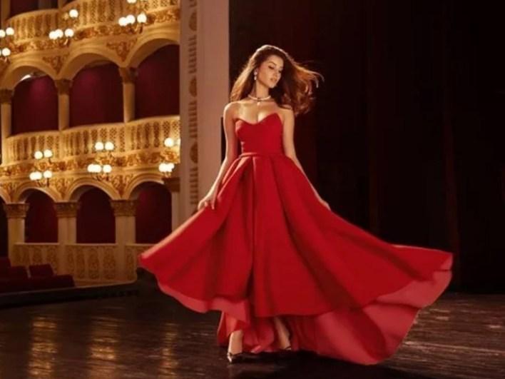 Tara SutariaAge, Height, Biography, Boyfriend, Weight, Family, Photo, Wiki, instagram, song, image, twin,