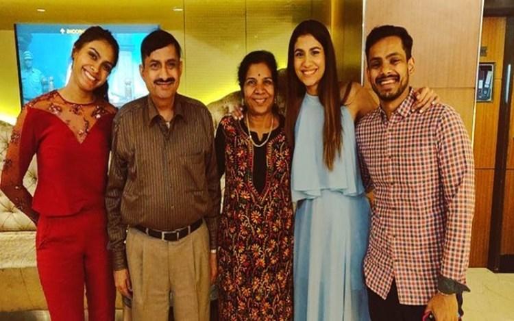 shreya dhanwanthary family, actress shreya family, shreya dhanwanthary parents, shreya dhanwanthary father,