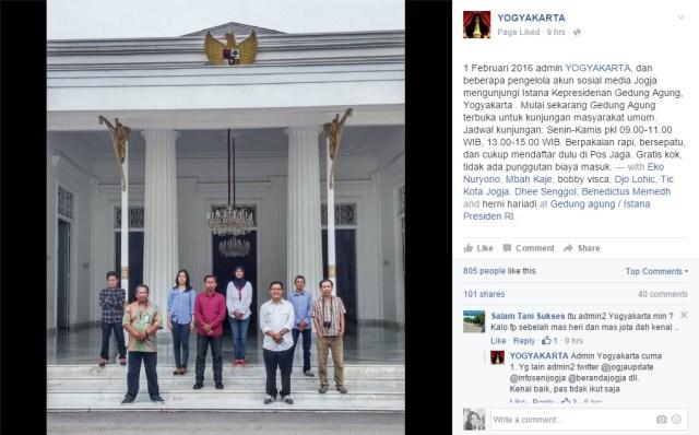 Para admin yang mengunjungi Gedung Agung