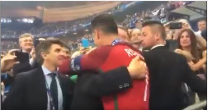 Gambar Ferguson Beri Selamat Roanldo setelah final Euro 2016