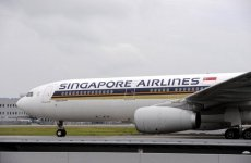 Struggling Singapore Airlines Fights Back Against Gulf