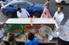 Saudi women allowed to operate food carts in Jeddah