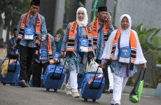First pilgrims-only flight from Indonesia arrives in Saudi as Hajj season begins