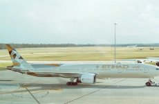 Etihad plane makes emergency landing in Abu Dhabi