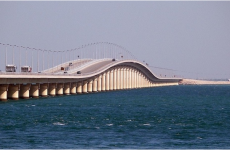 Plans underway to expand Bahrain-Saudi causeway to 45 lanes