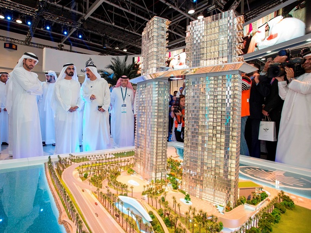 Sheikh Mohammed reviews Nakheel's new Palm 360 project